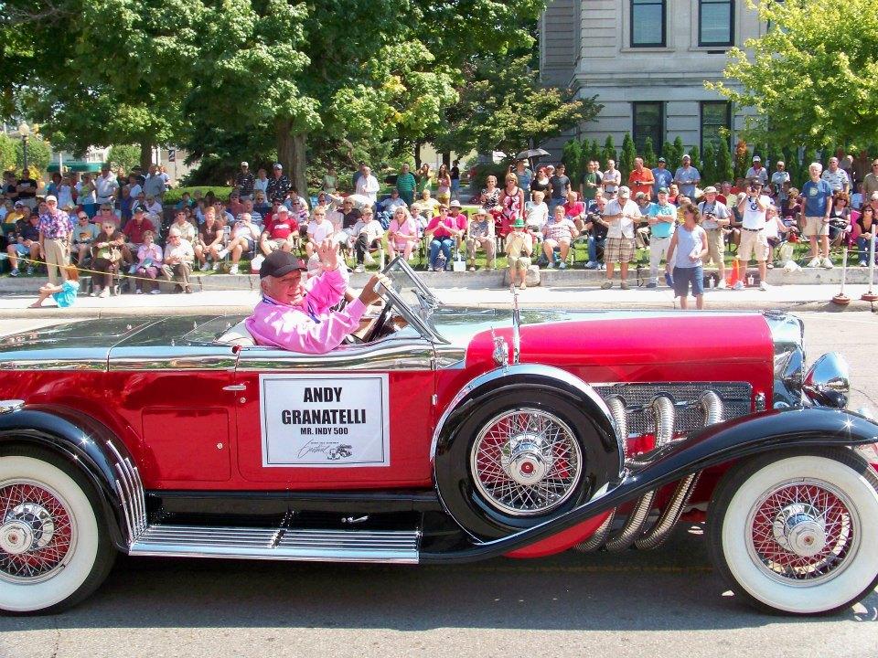 Auburn-Cord-Duesenberg-festival-parade-red-duesenberg
