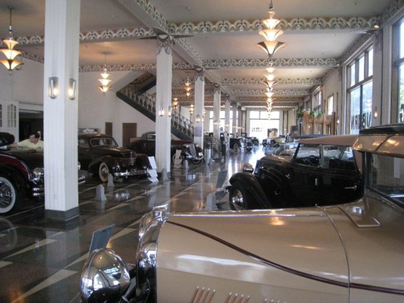 auburn-cord-duesenberg-museum-showroom-muted