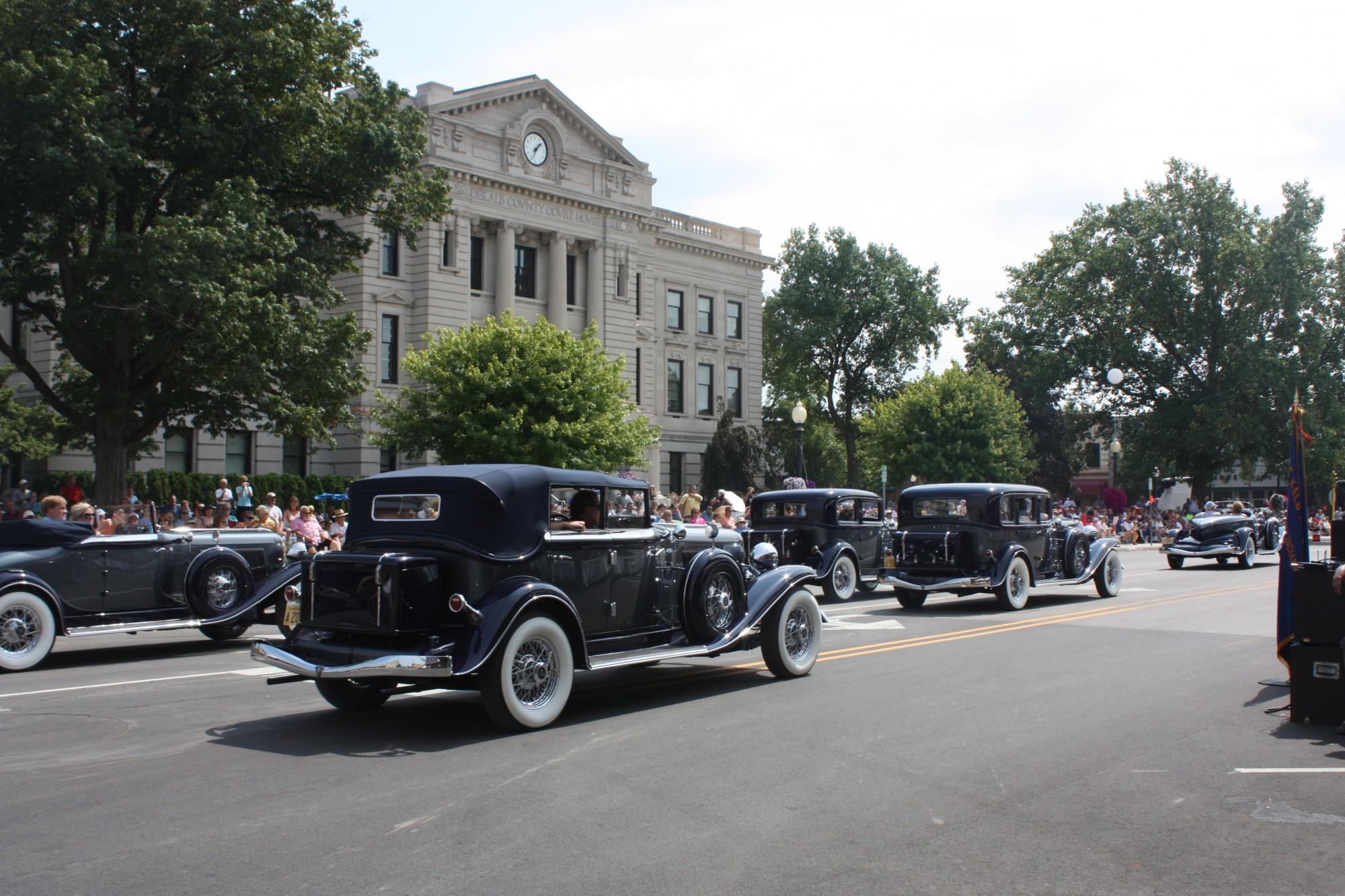 Auburn-cord-duesenberg-festival-ACD-parade-indiana