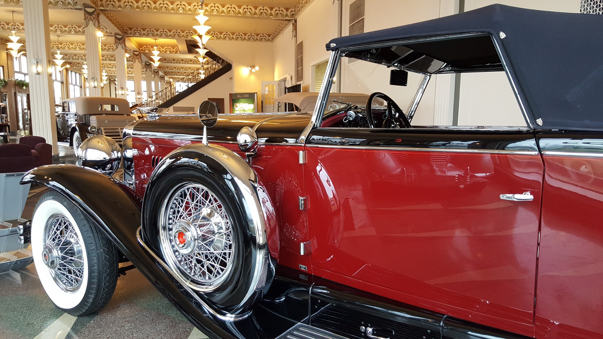 duesenberg-red-showroom-museum-auburn-indiana