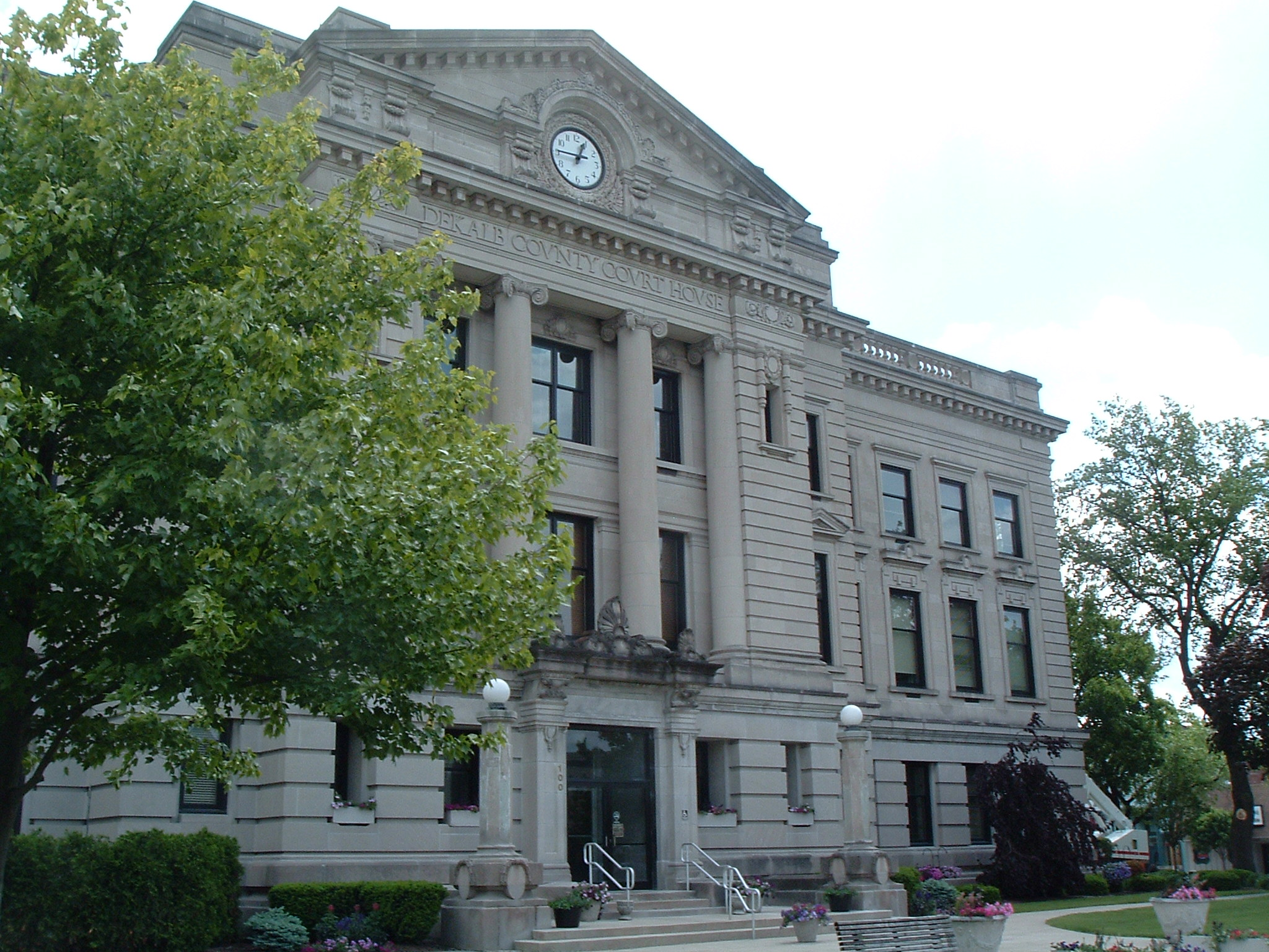 DeKalb-County-Courthouse-eastside